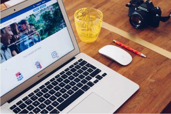 Política de uso de redes sociales